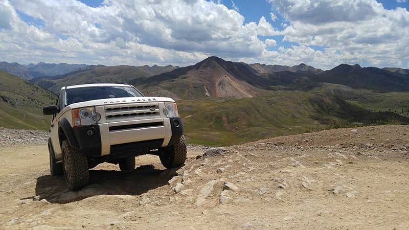 LR3 in the Engineer Pass - Colorado Rockies