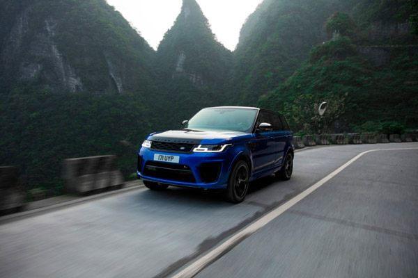 Range Rover Sport SVR sets speed record on Tianmen Mountain