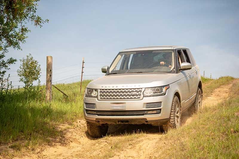 Mendo Recce Land Rover L405 Slow Descent